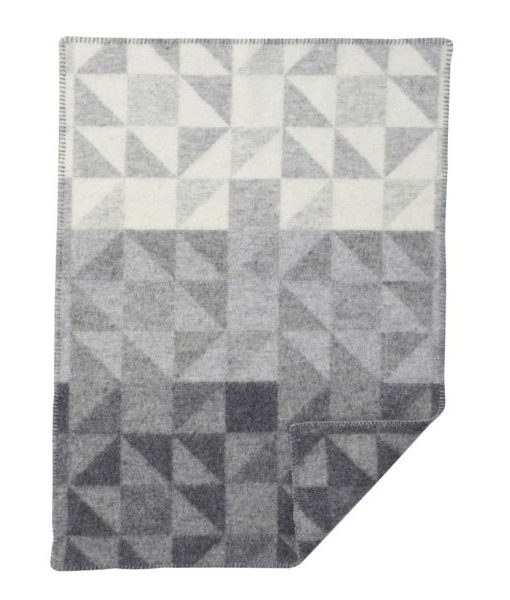 ullarteppi-65×90-shape-grey-baby-wool-blanket-barnidokkar-is